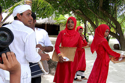 Perfect The Traditional Dress That Maldivian Women Managed To Preserve Till
